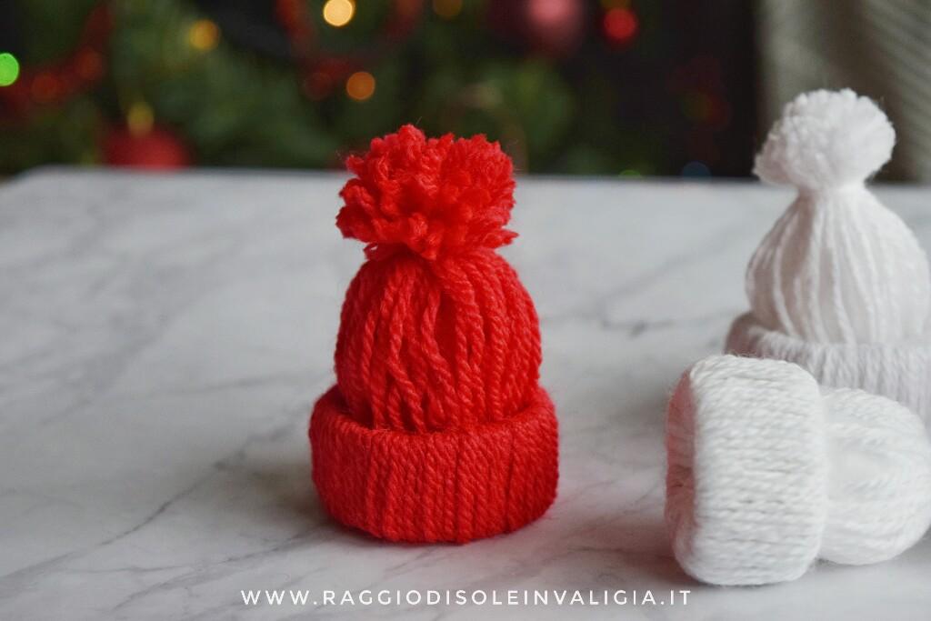 berretto in lanafai da te, decorazione per l'albero di Natale