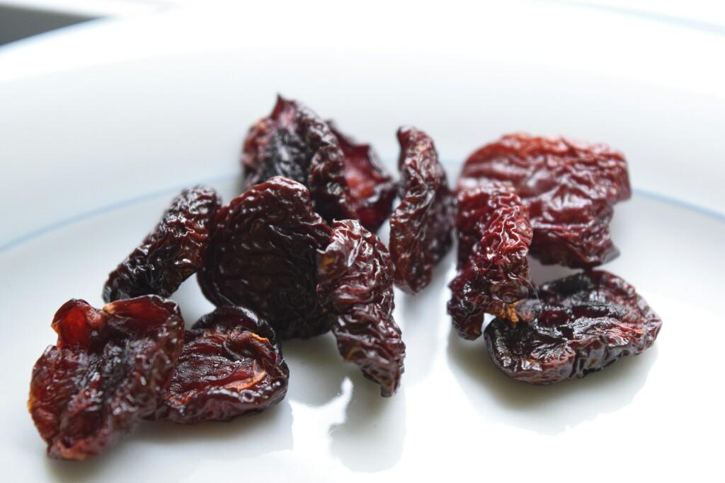 Spiedini di frutta essiccata, ciliegie