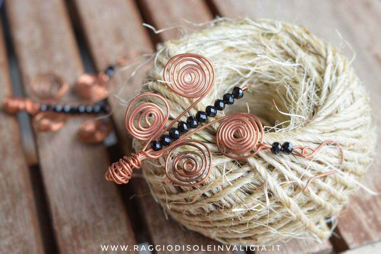 Idea regalo: orecchini farfalla in rame diy