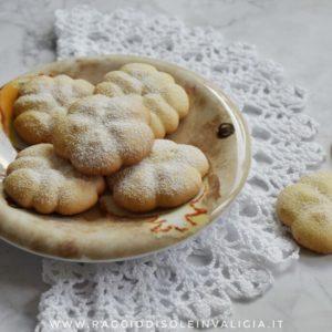 biscotti di frolla montata all'olio, ricetta semplice per spara biscotti o sac à poche