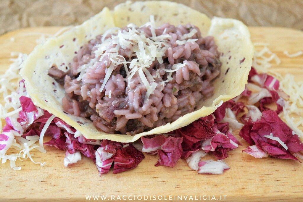 risotto viola al radicchio nel cestino di grana, ricetta senza glutine