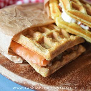 waffle salati semplici, senza burro in due versioni