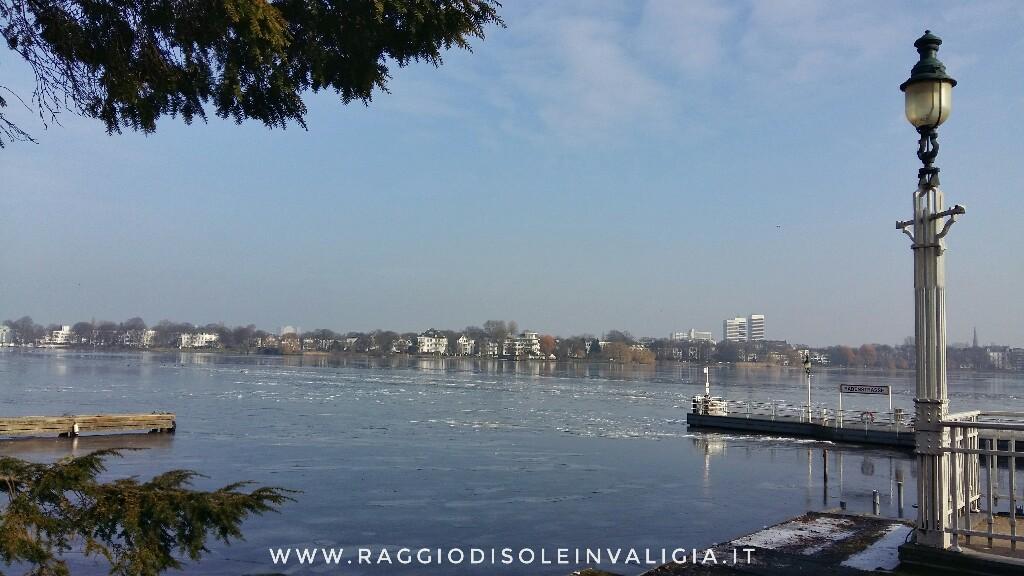 Amburgo: il lago Alster (Außenalster) ghiacciato