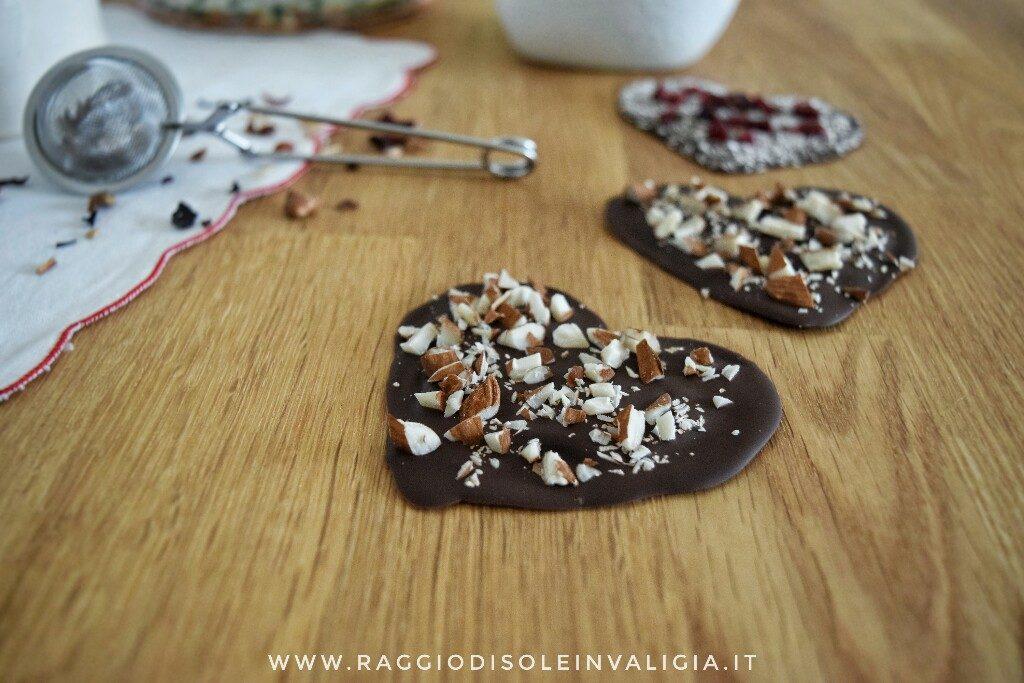 Cuori di cioccolato per San Valentino, idea regalo semplice e buona