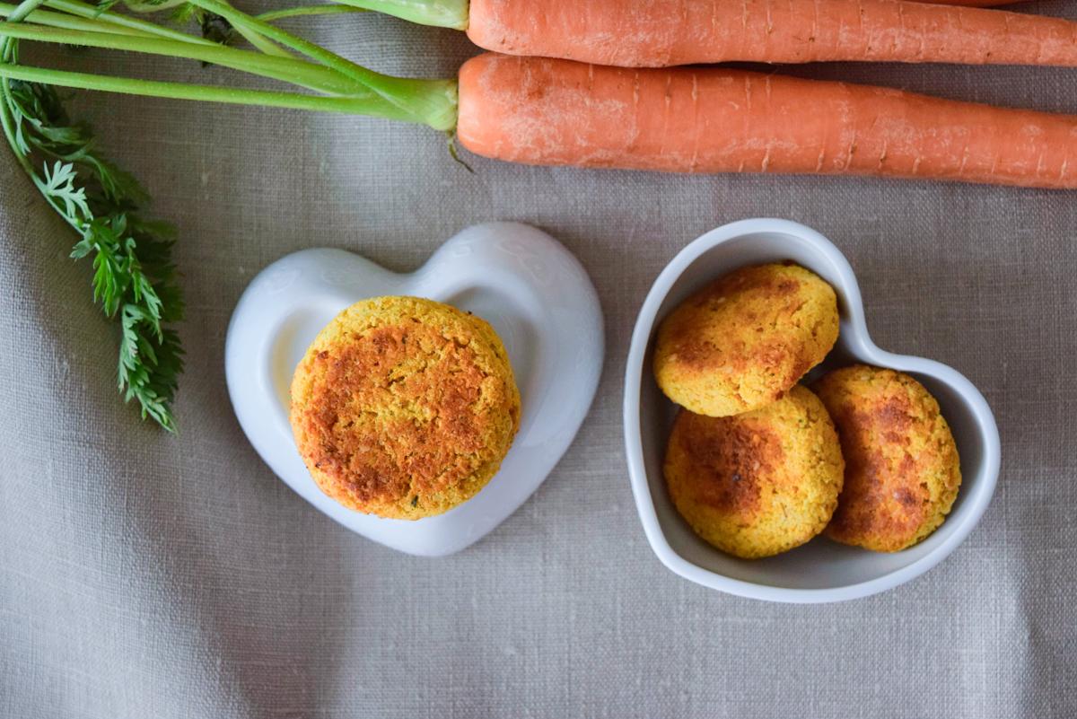 Falafel con ceci e carote tutto a crudo