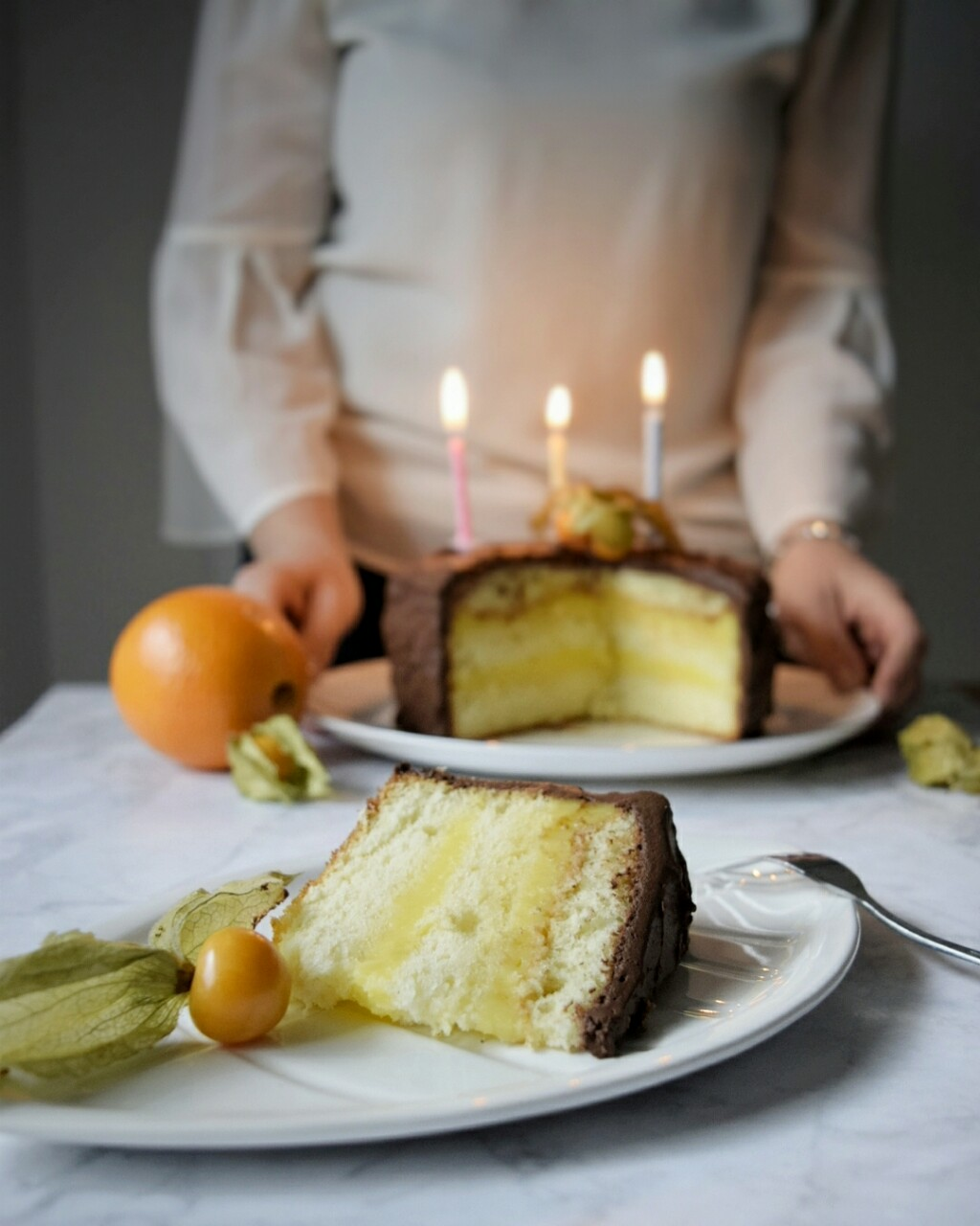 Torta di compleanno arancia e cioccolato, senza latte e senza burro