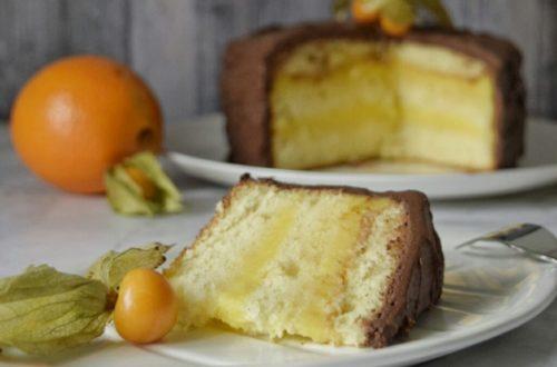 Torta senza latte e senza burro, arancia e ganache al cioccolato fondente all'acqua