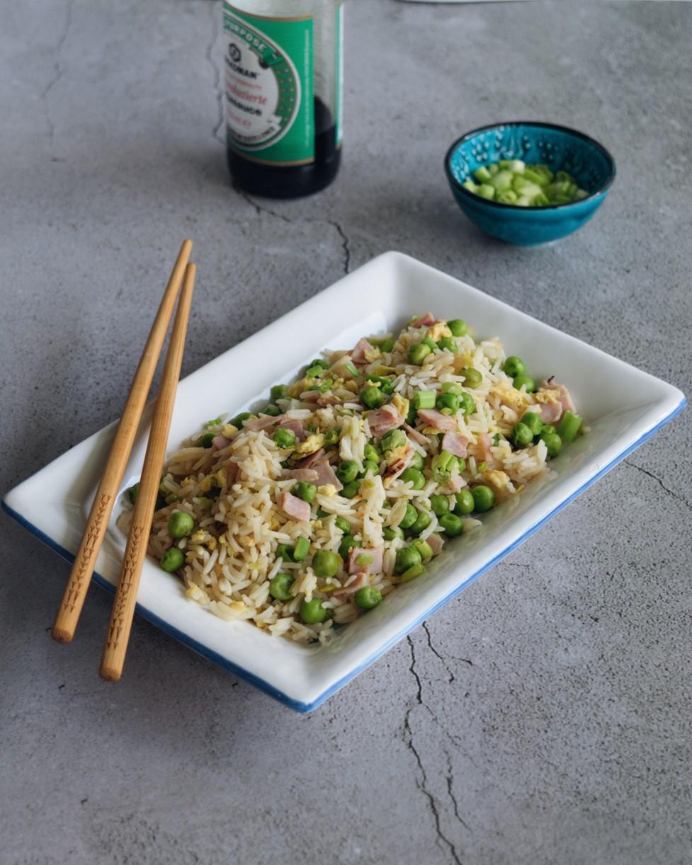 Riso alla cantonese, ricetta perfetta per lunch box e picnic