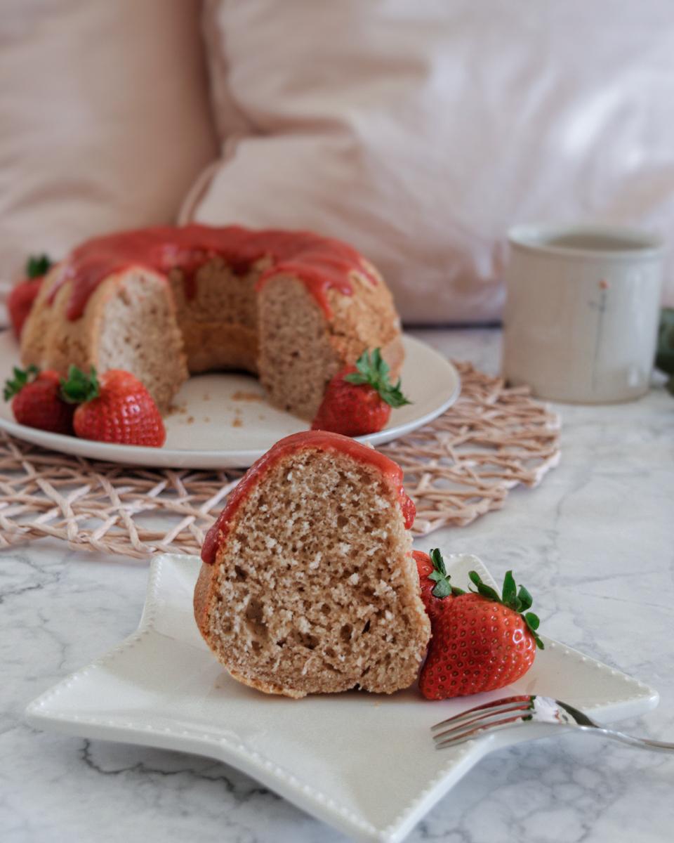 Fetta di ciambella pan di fragole