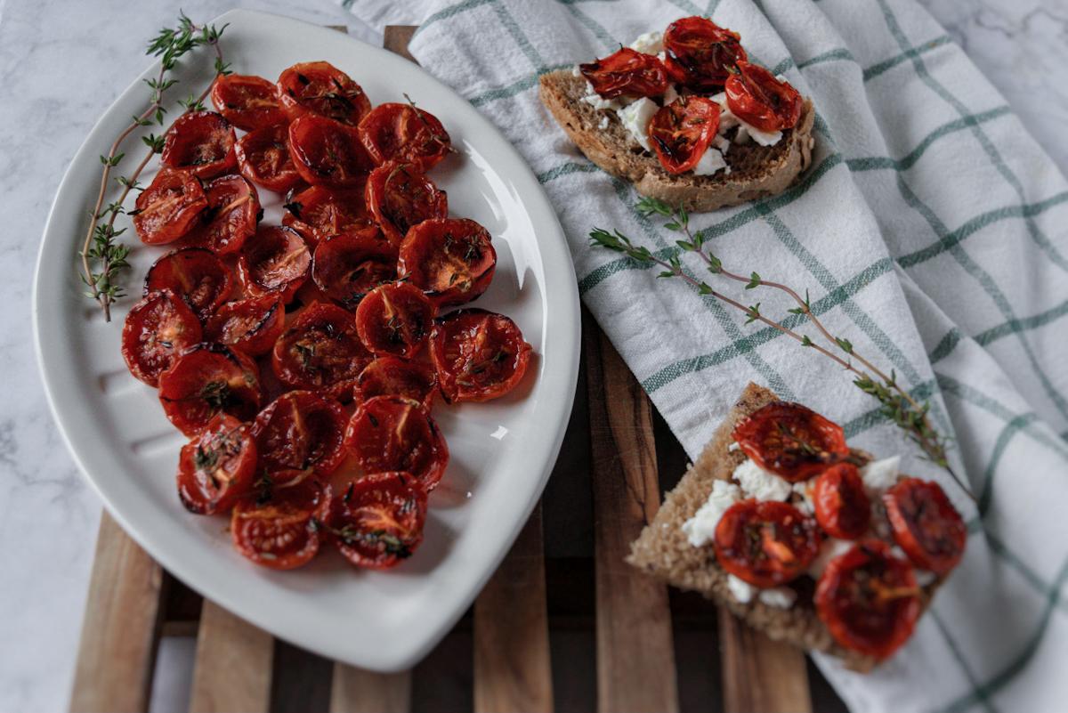 ricetta semplice dei pomodorini confit