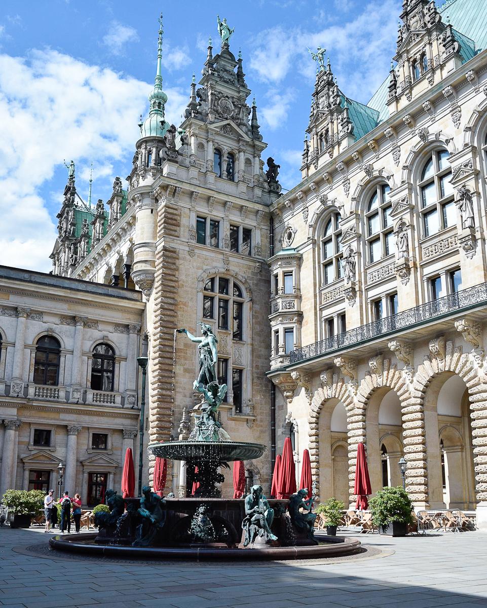 Innenhof Rathause Amburgo
