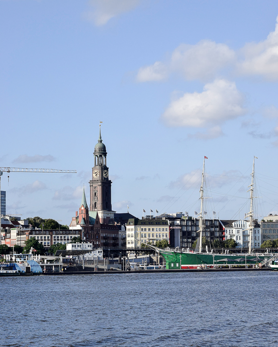Landungsbrucken, il porto turistico ad Amburgo