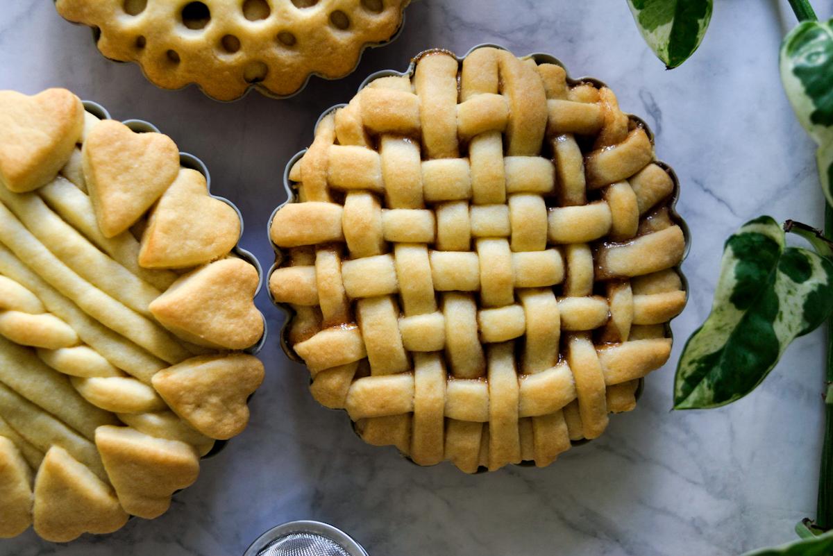 Crostatine con pasta frolla all'olio, senza burro e senza lattosio