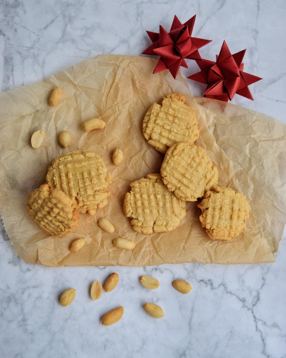 Biscotti al burro di arachidi con soli 3 ingredienti, ricetta veloce