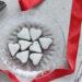 Cuoricini con frolla al cacao glassati all'arancia, ricetta per san valentino