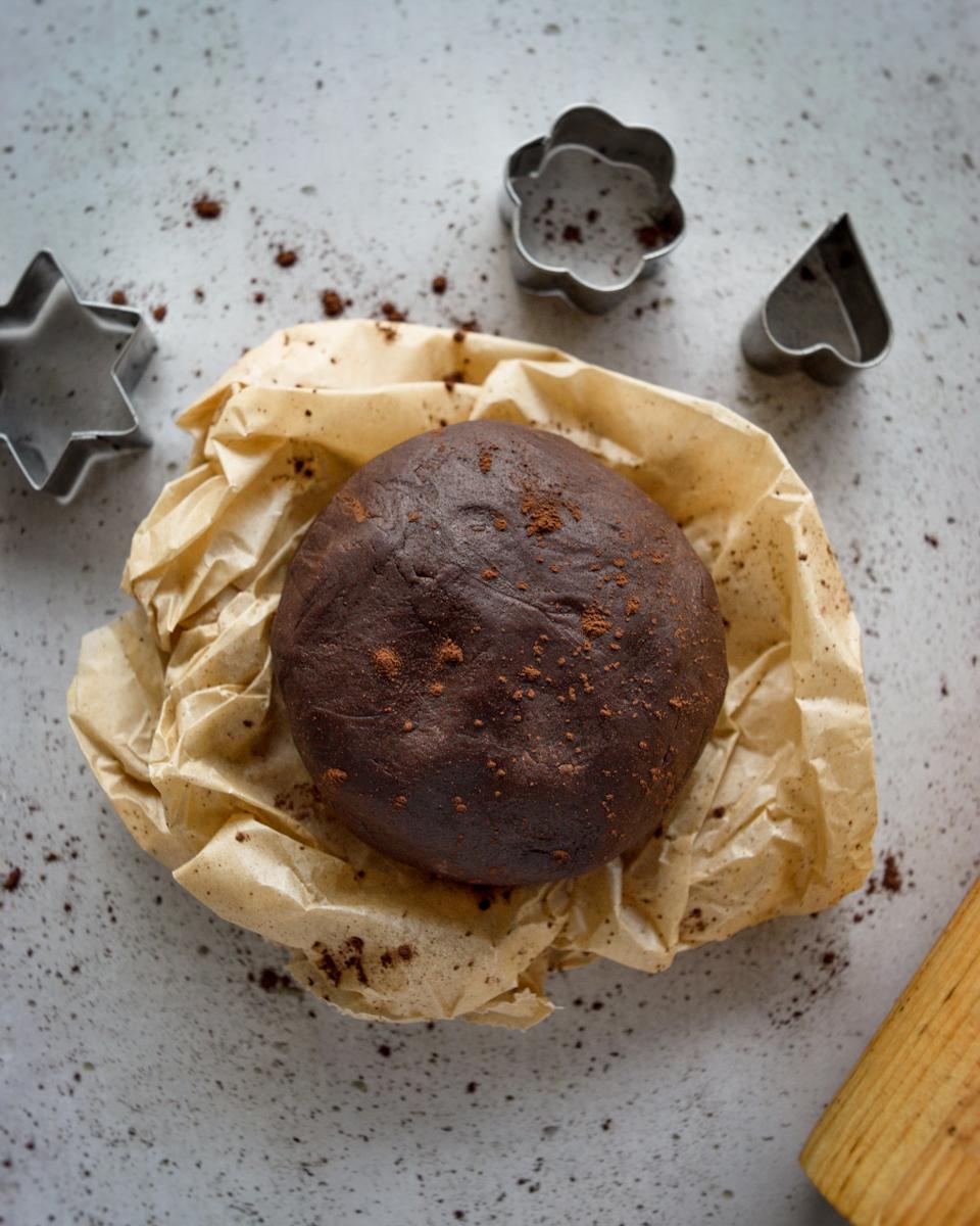 pasta frolla al cacao, ricetta perfetta per biscotti e crostate