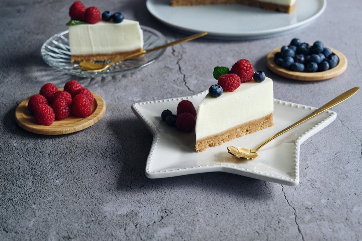 Ricetta senza forno: cheesecake allo yogurt e frutti rossi